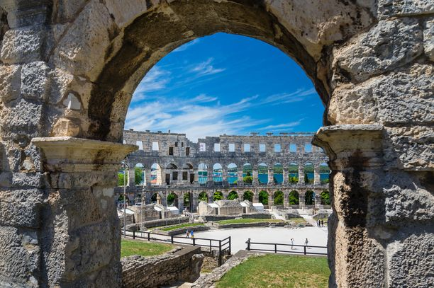 Roomalaisten rakentama amfiteatteri toimii yhä erilaisten tapahtumien näyttämönä.