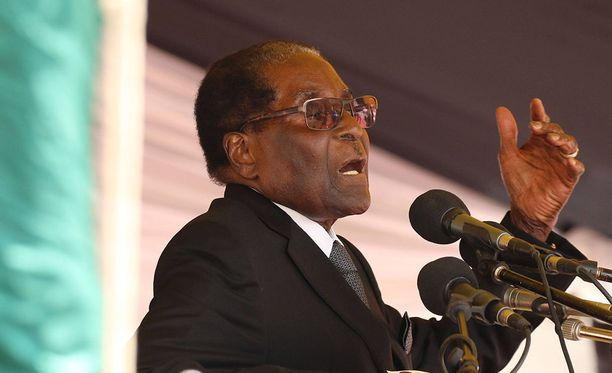 Zimbabwen presidentin Robert Mugaben yksityisasunnon lähettyvillä on ammuskeltu, uutistoimisto AFP kertoo.