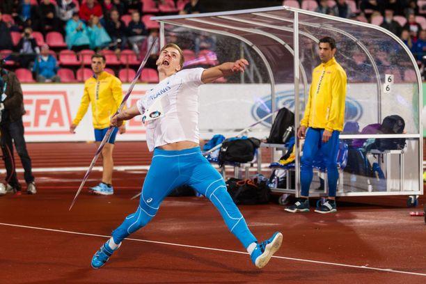 Oliver Helander heitti viime kaudella keihään yli 88 metrin päähän.