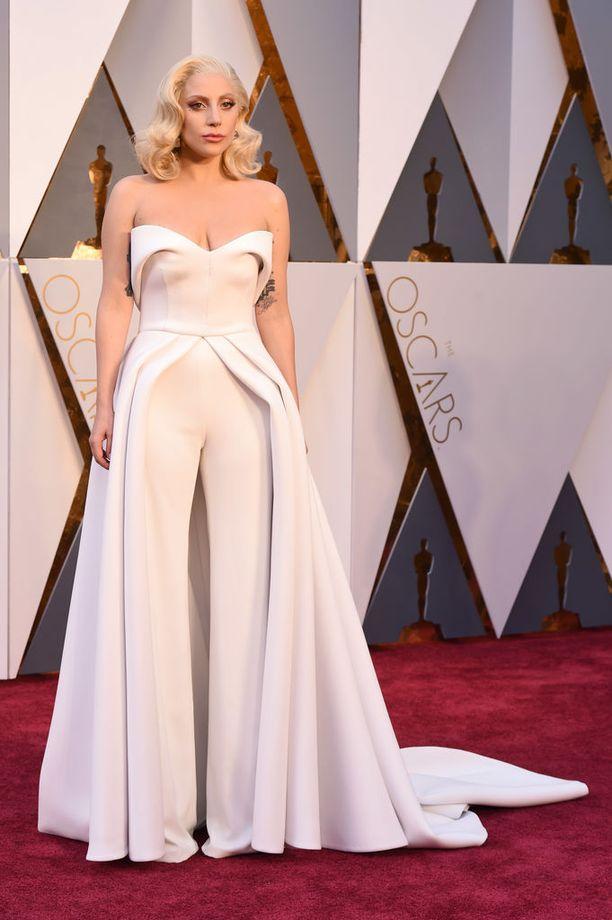 Lady Gaga, asu Brandon Maxwell