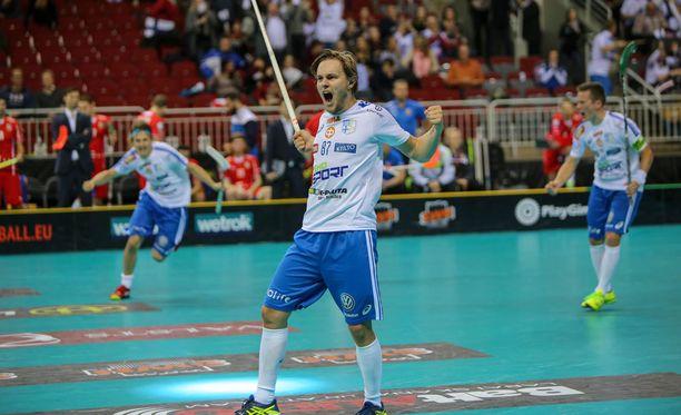 Miko Kailiala iski Suomen 2-0-maalin avauserässä.