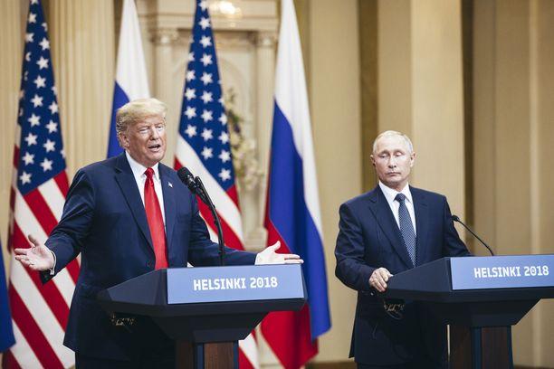 Yhdysvaltain presidentti Donald Trump ja Venäjän presidentti Vladimir Putin tapasivat Helsingissä viime kesänä.
