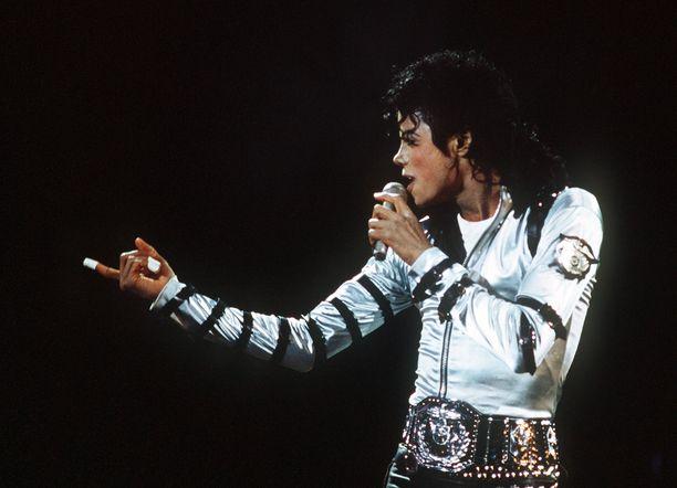 Michael Jackson tunnetaan esimerkiksi kappaleistaan Billie Jean, Beat It ja Smooth Criminal. Jackson kuoli kesäkuussa 2009.