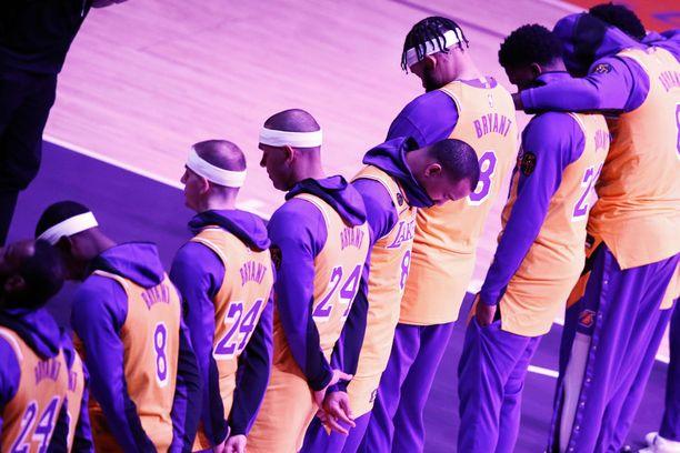 Lakers kunnioitti Bryantia ensimmäisessä kotipelissään legendan kuoleman jälkeen.