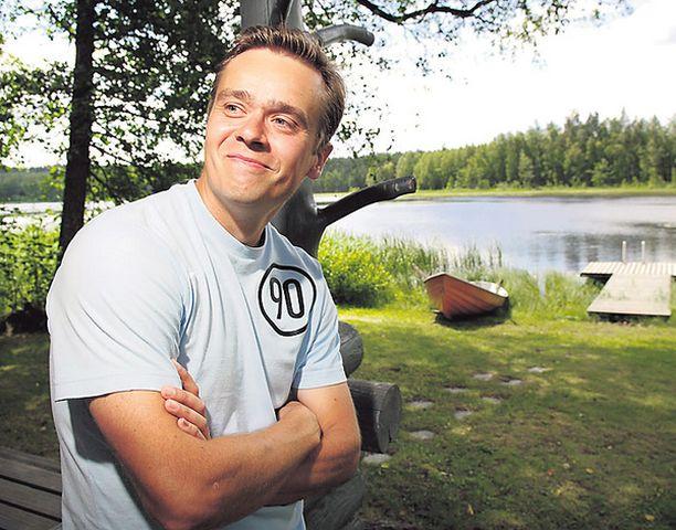 Sami Kauppinen suosittelee pyöräilyä ja soutamista.