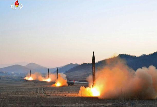 Pohjois-Korea ampui tiistaina neljä ohjusta kohti Japania.
