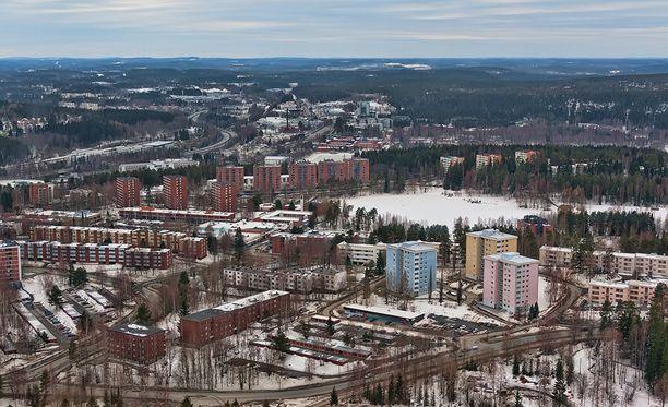Keski-Suomen käräjäoikeudessa on alkanut aamulla rikosjutun käsittely, jossa jyväskyläläistä miestä epäillään törkeästä henkeen ja terveyteen kohdistuvan rikoksen valmistelusta.