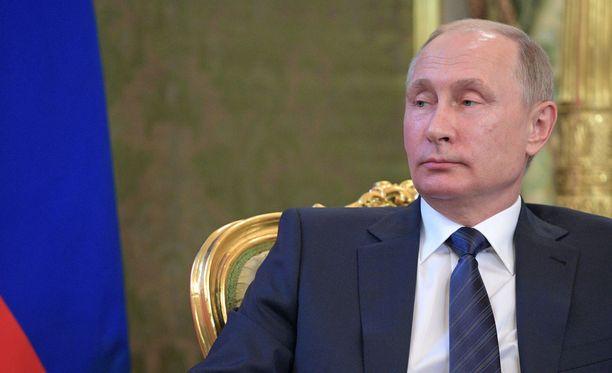 Putin kritisoi kovin sanoi EU:ta ja Yhdysvaltoja.