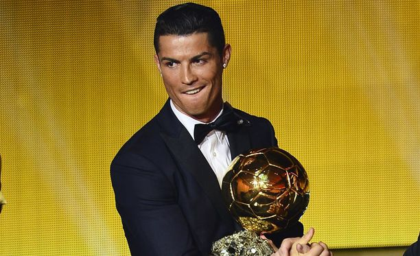 Cristiano Ronaldo palkittiin Kultaisella pallolla runsas viikko sitten.