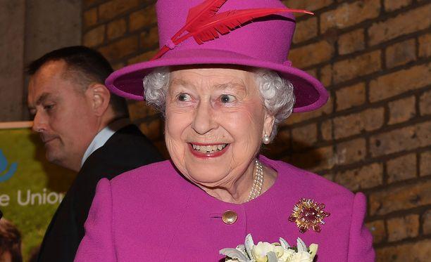 Kuningatar Elisabet on luottanut vuosikymmenten ajan samaan alusvaateyritykseen.
