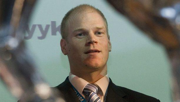 Henri Sillanpää seisoo tulevaisuudessa mahdollisesti Motherwallin tolppien välissä.