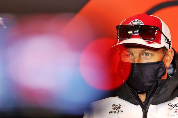 Kimi Räikkönen on tällä kaudella Alfa Romeon kuljettaja.