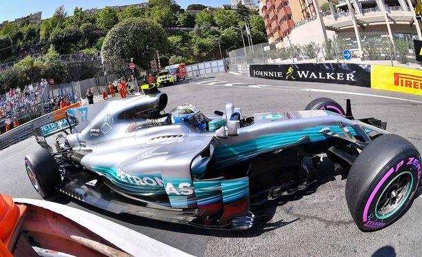 Valtteri Bottas haastaa Ferrarit kolmosruudusta Monacossa.