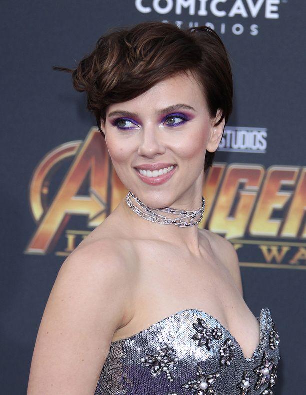 Uusi kampaus pukee Scarlettia erityisen hyvin.