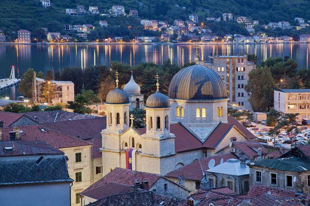 Kuvankauni Kotor on Montenegron helmiä.