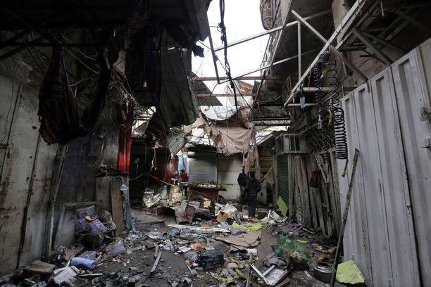 Irakin pääkaupungissa Bagdadissa tapahtuu pommi-iskuja lähes päivittäin. Isisin vastuulleen ottamat iskut tapahtuvat pääasiassa shiiamuslimien alueilla.