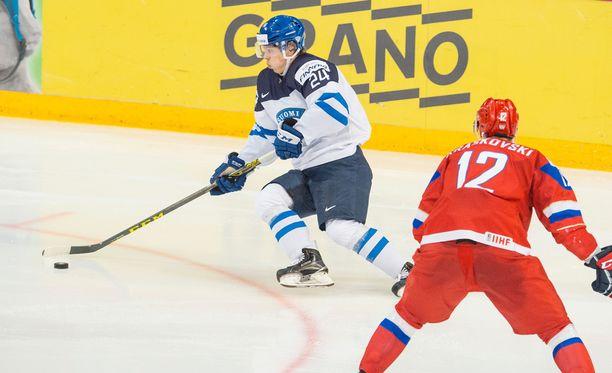 Kasperi Kapanen muistetaan nuorten MM-kisojen tähtenä. Nyt Kapanen tekee debyyttinsä A-maajoukkueessa.