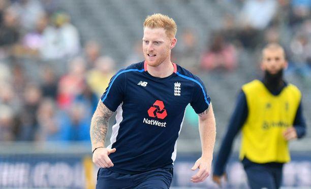 Ben Stokes vaaransi Ashesinsa osallistumalla katurähinään.