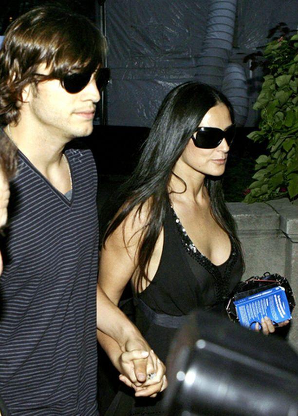 Demi Moore on avioliitossa näyttelijä Ashton Kutcherin kanssa.