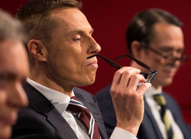 Pääministeri Alexander Stubb näytti aluksi vakavamman puolen itsestään.