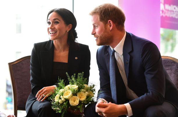 Prinssi Harry ja herttuatar Meghan ovat edenneet nopeasti. Seurustelu alkoi vuonna 2016, kihlauksesta kerrottiin vuonna 2017 ja avioliitto solmittiin vuonna 2018. Keväällä 2019 syntyy pariskunnan esikoinen.