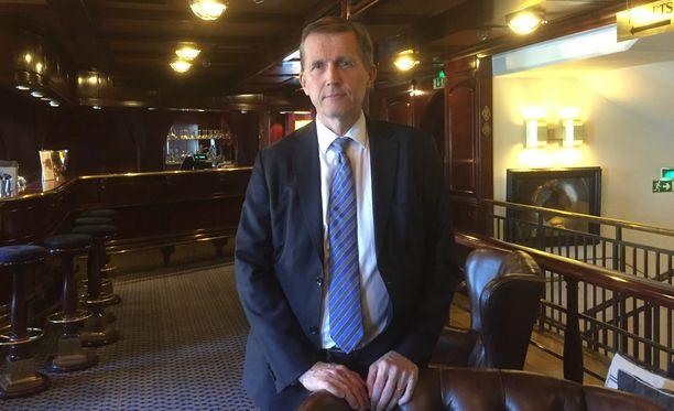 Ekonomisti Pasi Sorjonen kertoi akavalaisten veronäkemyksistä.