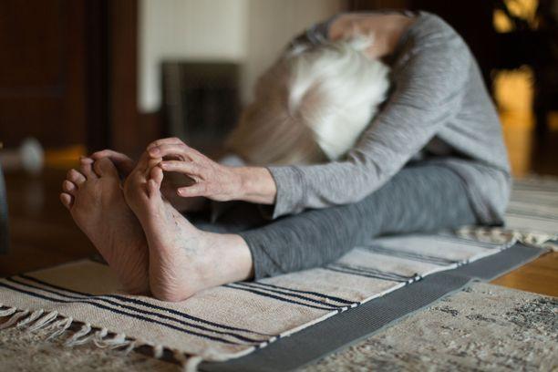 Liikunta voi auttaa sairauden ennaltaehkäisyssä ja se voi parantaa muistin tilaa muistisairauden puhjettua.