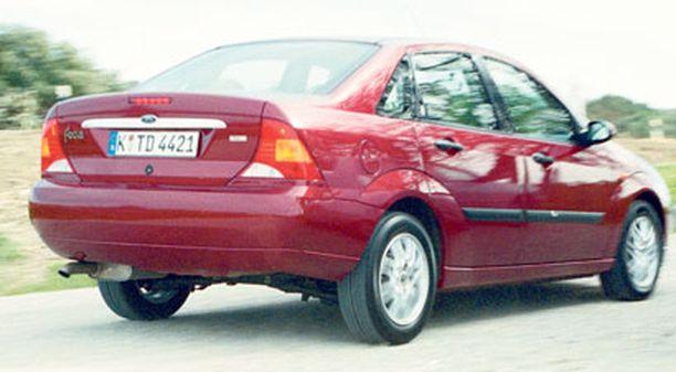 Mazda6 mallia 2002-2003 oli testin pohjilla.