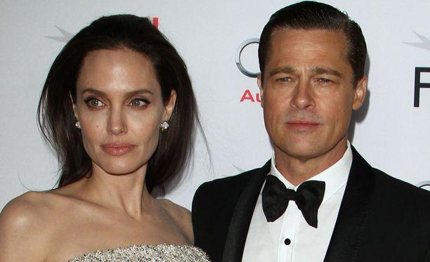 Angelinan ja Bradin avioero laitettiin syyskuussa vireille.