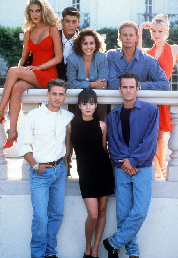 Tältä Beverly Hills 90210 -tyypit näyttivät ysärillä.