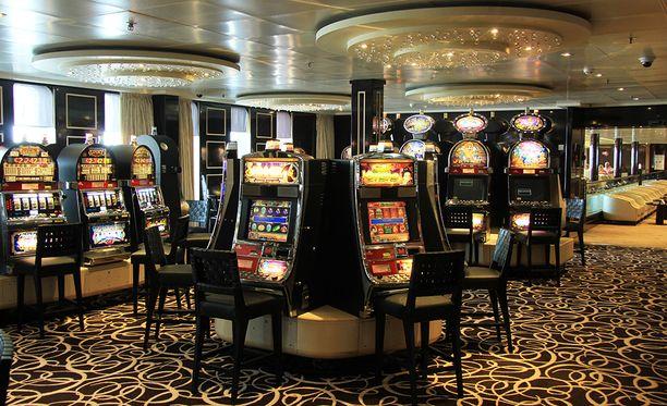 Australian kasinolle lupaa hakiessaan vuonna 1987 Trumpilla oli kaksi kasinoa Atlantic Cityssä.