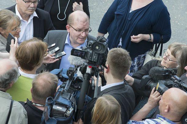 Teollisuusliiton puheenjohtaja Riku Aalto (kuvassa) ja Teknologiateollisuuden työmarkkinajohtaja Minna Helle yrittävät sorvata työmarkkinakierroksen päänavauksen valmiiksi marraskuussa.