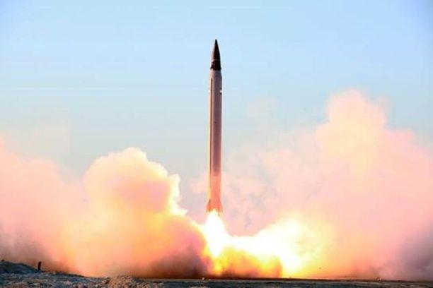 Iran koelaukaisi Khorramshahr-ohjuksensa tammikuussa. Khorramshahrista voi tulla uhka Euroopan kaupungeille, sillä Iran pystyy nostamaan ohjuksen kantomatkaa pienentämällä taistelukärjen painoa - ja silloin taistelulatauksena olisi ydinase.