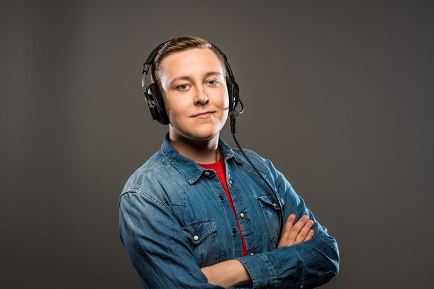 FTW -juontaja/selostaja MrJallu101 (Aleksi Koli).