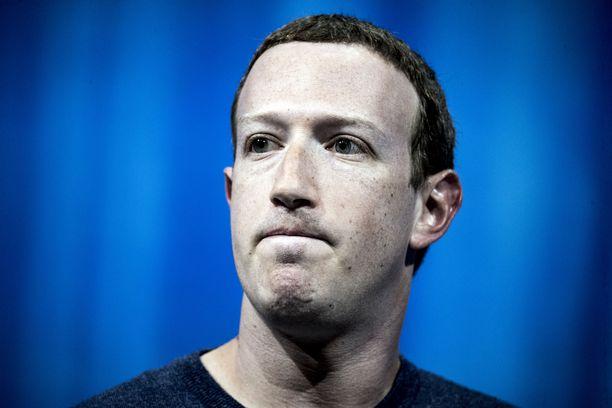 Facebookin toimitusjohtaja Mark Zuckerberg on joutunut selittelemään yhtiönsä tekosia tiheästi viime aikoina.
