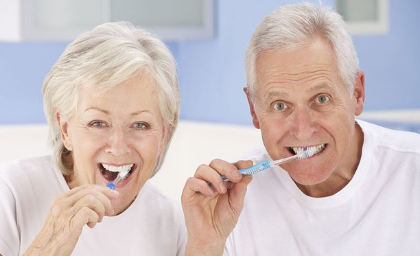 Diabeetikoilla on suurempi riski sairastua hampaiden kiinnityskudoksia tuhoavaan parodontiittiin kuin muilla.