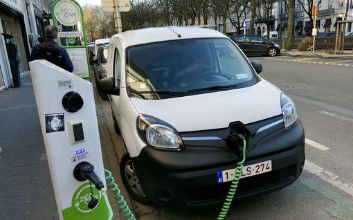 Autoteollisuuden lupaukset roskakoriin – Raportti: Uusien autojen hiilidioksidipäästöt kasvaneet