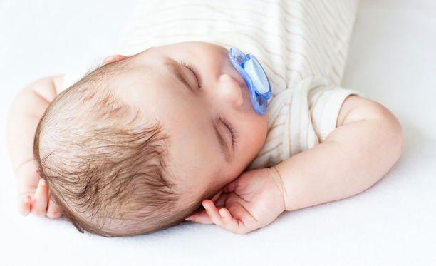 Joissakin perheissä nukkuminen ei ole ongelma, toiset tekevät sen eteen mitä tahansa.