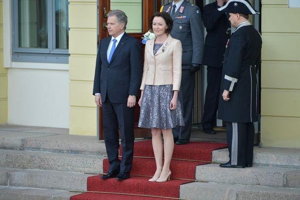 Sauli Niinistö ja Jenni Haukio vihittiin tammikuussa 2009.