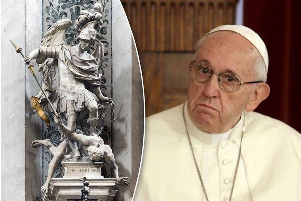 Paavi Franciscus on kehottanut maailman katolilaisia rukoilemaan lokakuun ajan joka päivä arkkienkeli Mikaelin apua paholaista vastaan.