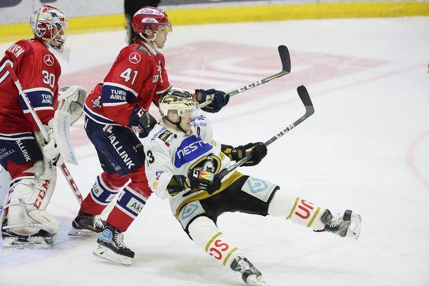 HIFK ja Kärpät väänsivät Helsingin jäähallissa koko rahan edestä.