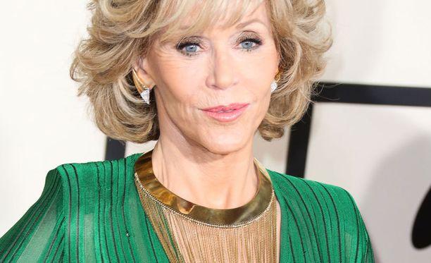 Jane Fonda avautuu rohkeasti yksityiselämästään.