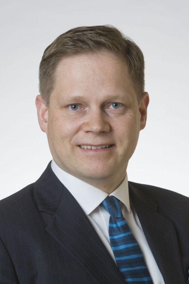 """Keskustan Markus Lohen mukaan vihreät ja vasemmistoliitto luovat mielikuvaa epäinhimillisestä turvapaikkapolitiikasta. Lohen mukaan Suomessa on """"toimivat systeemit"""", vaikka """"hienosäädön tarvetta"""" saattaakin olla."""