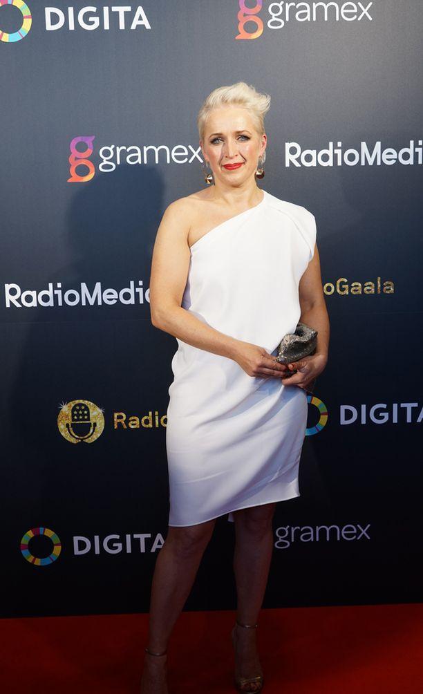 Anna Perho palkittiin vuonna 2016 vuoden radiotoimittajana Radiogaalassa. Tänä vuonna hän on jälleen ehdolla.