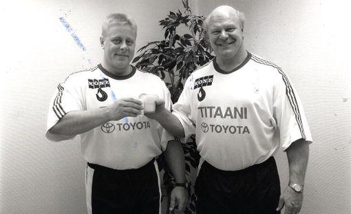 Ilkka Nummisto (oikealla) tutun aisaparinsa Markku Suonenvirran kanssa vuonna 1992.
