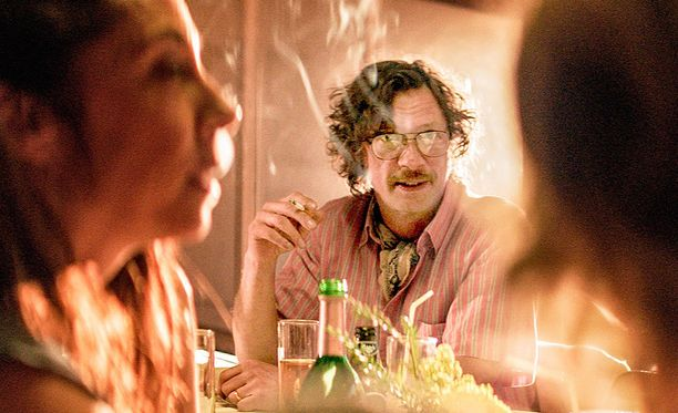 Antti Reini esittää Askoa, jolle maistuu kuningas alkoholi.