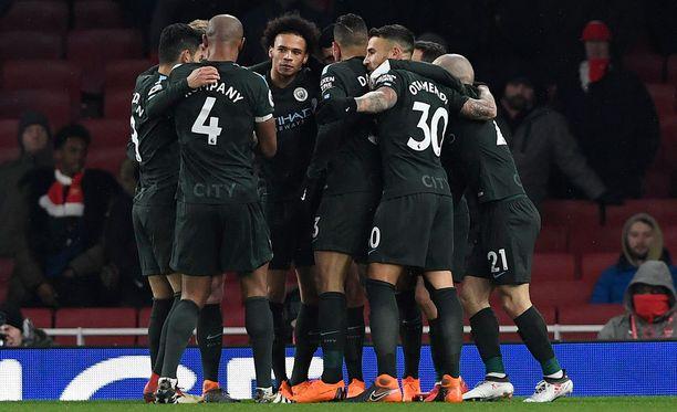 Leroy Sane ja City möyhensivät Arsenalin.