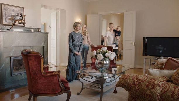 Miklun ja Mettin kerrostalokodista löytyy useampi kakluuni ja takka, ja myös erillinen takkahuone.