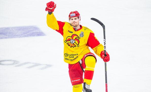 Näin Mikko Lehtonen tuuletti pudotuspelien ensimmäisellä kierroksella.