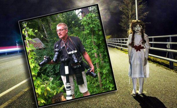 Kuten kuvasta näkyy, Timo Salin on innokas valokuvaaja. Nykyään hän napsii kuvia ihmismäisestä Annabelle-nukesta.